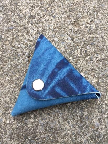 山羊革の藍染コインケース